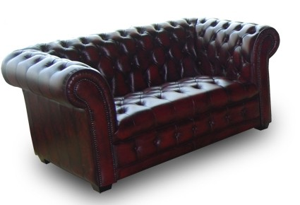 Manchester 2 seater in washed off burgandy leather